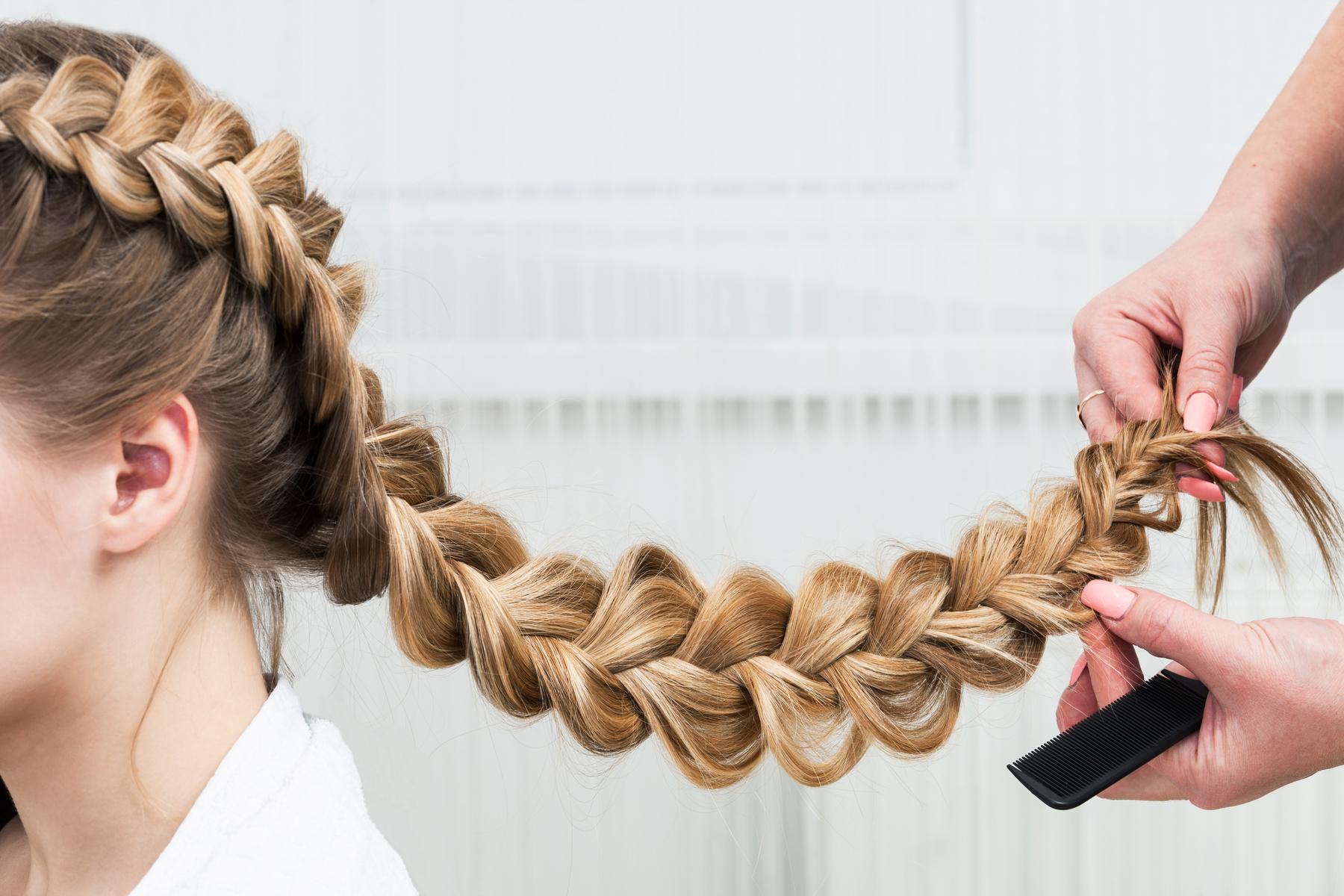 Cele mai cool idei de împletituri de păr simple pentru 2021